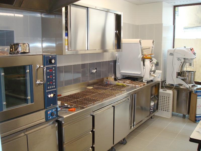 Agencement laboratoire de boulangerie et p tisserie de for Agencement de petite cuisine